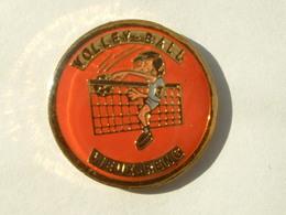 Pin's VOLLEYBALL VIEUX RENG - Volleyball
