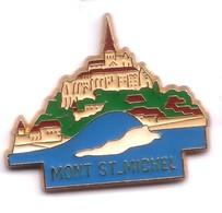 G455 Pin's Mont Saint Michel Manche En Normandie  30 X 35 Mm Achat Immédiat - Villes