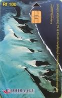 MALDIVES  -  Phonecard  -  DHIRAAGU  -  Plage   -  Rf 100 - Maldivas