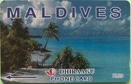 MALDIVES  -  Phonecard  -  DHIRAAGU  -  Plage, Cocotiers  -  Rf 20 - Maldivas