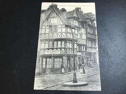 LISIEUX Vieilles Maisons - Place Du Marché Au Beurre (Café Buisson) - 1905 Timbrée - Lisieux