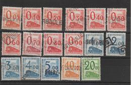 France Colis Postaux 1960 Série 31 à 47 17 Val Oblit. Used - Parcel Post