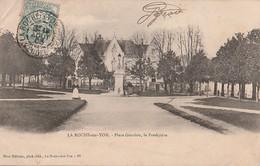 LA ROCHE SUR YON   -  Place Gouvion, Le Presbytère . - La Roche Sur Yon