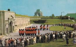 Canada, Relève De La Garde Et De La Retraite Par Le Royal 22e Régiment à La Citadelle - Québec - La Citadelle