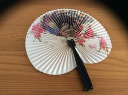 "Eventail ""SHANGAI ARTS & CRAFTS (CHINE)"" (décor Paon) - Eventails"