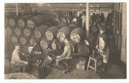 Bruxelles Union Economique Le Soutirage Des Vins Carte Postale Ancienne Animée - Petits Métiers