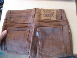 COLLECTOR Jean's LEVI'S 630 Années 80 Et Neuf ! HOMME OU FEMME ? Supercord Velours Côtelé Tailles US W28 L36 - Vintage Clothes & Linen