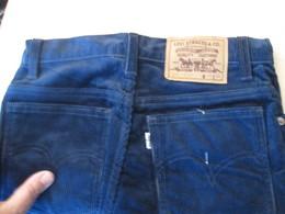 COLLECTOR Jean's LEVI'S 630 Années 80 Et Neuf ! HOMME OU FEMME ? Supercord Velours Côtelé Tailles US W29 L36 - Vintage Clothes & Linen
