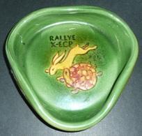 Rare Vide-poche Ramasse-monnaie Cendrier En Céramique émaillée, Signé, RALLYE X, Le Lièvre Et La Tortue, La Fontaine - Autres