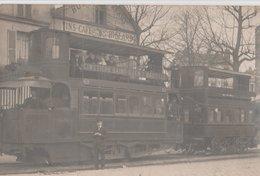 TRAMWAY à VAPEUR SERPOLLET: CIMETIERE SAINT-OUEN - BASTILLE Devant Hôtel Du Départ: Vins Café Billard - Tramways
