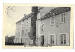 PARMILIEU (38) La Mairie Et La Poste - Autres Communes