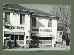 CARTE POSTALE 33 GIRONDE LA BREDE HOTEL RESTAURANT MAISON DES GRAVES DENTELEE - France