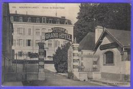 Carte Postale 71. Bourbon-Lancy  Entrée Du Grand Hotel  Très Beau Plan - Autres Communes