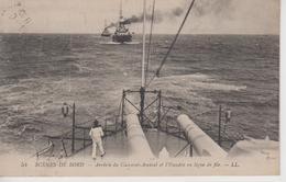 CPA Scènes De Bord - Arrivée Du Cuirassé-Amiral Et L'Escadre En Ligne De File - Warships