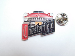 Beau Pin's , Marque Tabac Chesterfield USA , Auto Américaine , Buick ?? - Autres