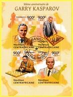 Bloc Feuillet Oblitéré De 4 Timbres-poste - 50e Anniversaire De Garry Kasparov - République Centrafricaine 2013 - República Centroafricana