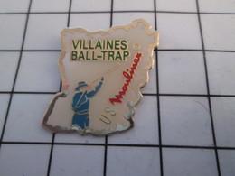 816a Pin's Pins / Beau Et Rare / THEME : SPORTS / BALL TRAP VILLAINES US MOULINEX MAYENNE - Pin's