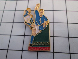 816a Pin's Pins / Beau Et Rare / THEME : SPORTS / FOOTBALL JPP PAPIN MARSEILLE ONZE D'OR 1991 - Firemen