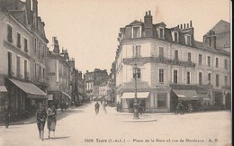 TOURS  - Place De La Gare Et Rue De Bordeaux.  Carte Rare - Tours