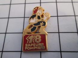 816a Pin's Pins / Beau Et Rare / THEME : POMPIERS / LE 18 SAPEURS POMPIERS LANCE A INCENDIE Par AMCM - Firemen
