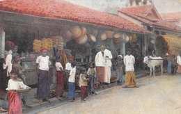 CEYLON (SRI LANKA) - NATIVE BONTIQUE OR SHOP ~ AN OLD POSTCARD - POSTED IN 1917 #224178 - Sri Lanka (Ceylon)
