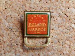 Pin's - PARFUM  ROLAND GARROS - Parfums