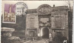 Carte Maximum FRANCE  N°Yvert  1153  (Maubeuge - Porte De Mons) Obl Sp 1er Jour (Ed JEM 17) - 1950-59
