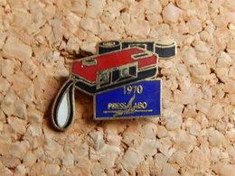 Pin's - PRESS LABO 1990 - Photographie