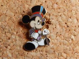 Pin's - DISNEY  MICKEY - Disney