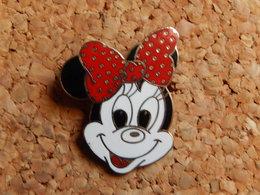 Pin's - DISNEY  MINIE - Disney