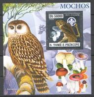 F145 !!! LAST ONE IN STOCK !!! 2006 S.TOME E PRINCIPE SILVER FAUNA NATURE BIRDS MUSHROOMS 1BL MNH - Owls