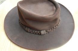 Chapeau  Texan  Hatquarters USA En Peau Retournée Marron Neuf - Habits & Linge D'époque