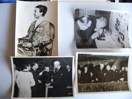Lot De 4 Photos De Presse Légendées Roi De SUEDE GUSTAV V Et VI Reine VICTORIA De SWEDEN Années 30 Et 60 - Berühmtheiten
