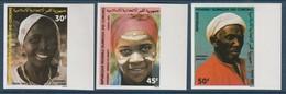 COMORES - NON DENTELE - N°393/5 ** (1983) Portraits Ethniques - Comoros