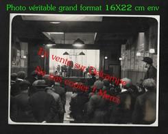 Réunion De Syndicat ? Affiche Union Des Syndicats De La Seine / CGT ? Superbe Photo à étudier (No CP) 16X22 Cm Env - Labor Unions