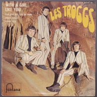The TROGGS - EP - 45T - Disque Vinyle - With A Girl Like You - 465321 - Autres - Musique Anglaise