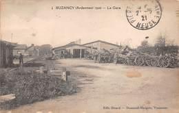 08 - Buzancy - La Gare - Dépot De Charrettes Avec Des Canons De La Guerre - France