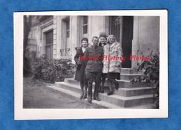 Photo Ancienne Snapshot - Beau Portrait D'un Militaire Autour De Femme Bien Habillée - Officier ? Période WW2 ? - Guerre, Militaire