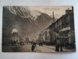 FRANCE - MODANE - PLACE DE LA GARE - UN JOUR DE DEPART D' EMIGRANTS - 1913 - Modane
