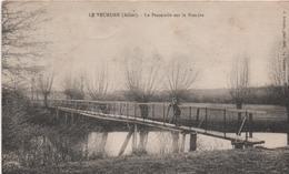 03   Le Veurdre   La Passerelle Sur La Bieudre - Vichy