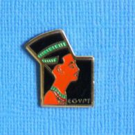 1 PIN'S //   ** NÉFERTITI / ÉGYPTE ** - Personajes Célebres