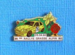 1 PIN'S //  ** 35ème RALLYE GRASSE ALPIN / RENAULT CLIO RS '92 ** . (G.J.P.C.R.T. Arthus Bertrand Paris) - Arthus Bertrand