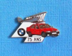 1 PIN'S //  ** AVION BIPLAN / BMW 75 ANS ** . (BMW  Démons & Meiveilles) - BMW