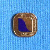 1 PIN'S //  ** 1981 / IBM / MARKETING EXCELLENCE ** - Informatique