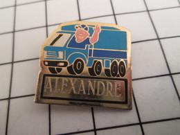 816b Pin's Pins / Beau Et Rare / THEME : TRANSPORTS / CAMIONNEUR ROUTIER ALEXANDRE - Transports