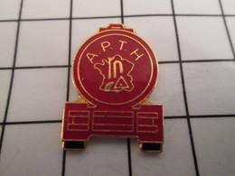 816b Pin's Pins / Beau Et Rare / THEME : TRANSPORTS / CAMION CITERNE APTH - Transports