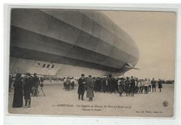 54 LUNEVILLE UN ZEPPELIN AU CHAMP DE MARS 3 AVRIL 1913 CENTRE ET AVANT - Luneville