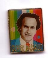 RR79 Pin's OLIVIER DASSAULT Politique Oise Achat Immédiat - Personajes Célebres