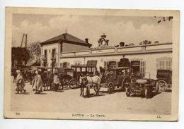 ALGERIE BATNA La Gare Des Voyageurs Diligences En Attente Fiacres Automobile LL 21 écrite 1927     D05  2020 - Batna