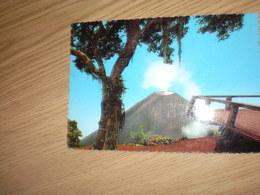 Cerro Verde Al Fondo Volcan De Izalco Green Mountain In The Bacjground The Volcano Izalco - Salvador